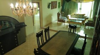 Spacious 3 bedrooms apartment with private roof 155m