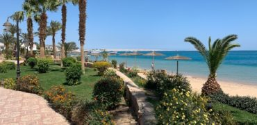 Apartment in a luxury complex with private beach!