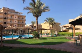 Amazing 2 bedrooms apartment with nice open view of Swimming pool and Sea