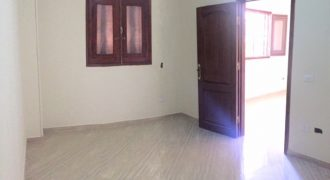 1-bedroom apartment in El Helal area. Sea and beach only 3 min walk from the house!